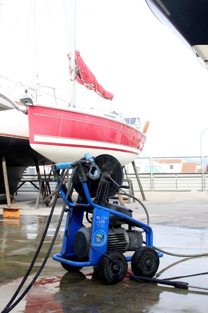 Høstklargjøringen av båt