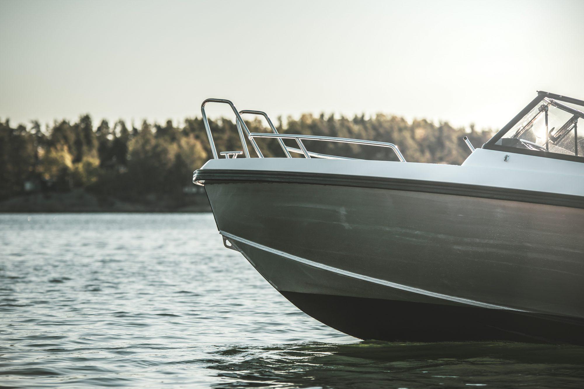 Stoffe båten i høst og få den raskere på vannet til våren!